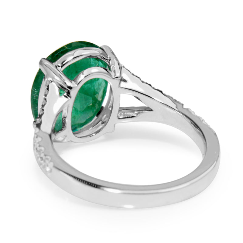 18ct White Gold Emerald and Diamond Split Band Ring