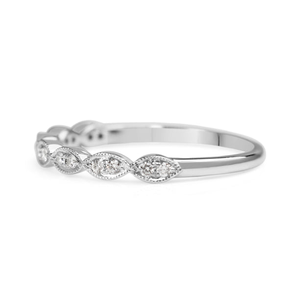 18ct White Gold Vintage Style Diamond Band