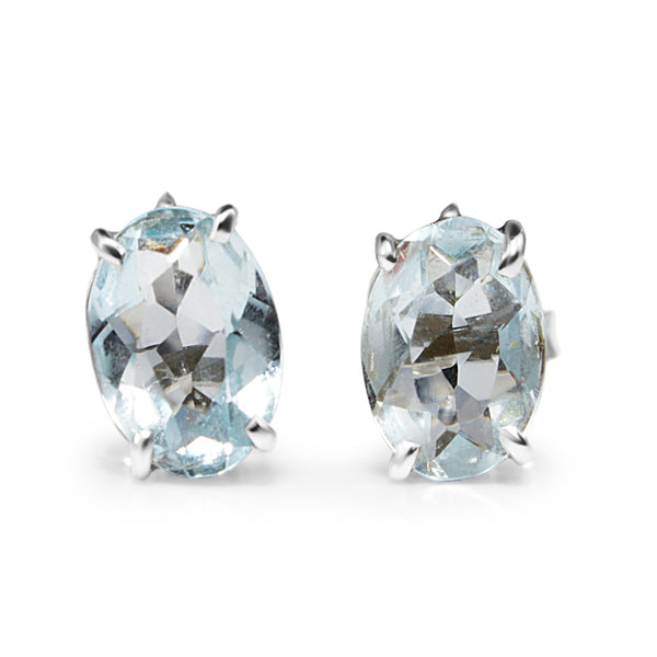 18ct White Gold Aquamarine Stud Earrings