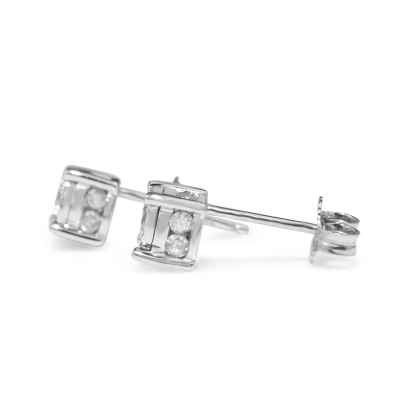 14ct White Gold Illusion Diamond Stud Earrings