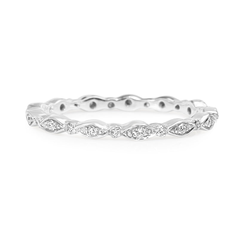 18ct White Gold Vintage Style Diamond All Round Band