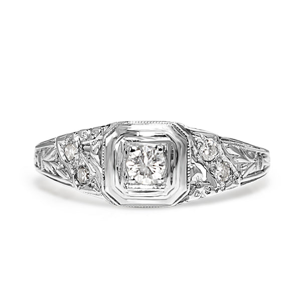 18ct White Gold Art Deco Diamond Ring