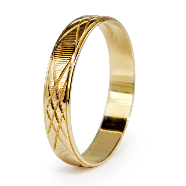 18ct Yellow Gold Engraved Vintage Wedding Band