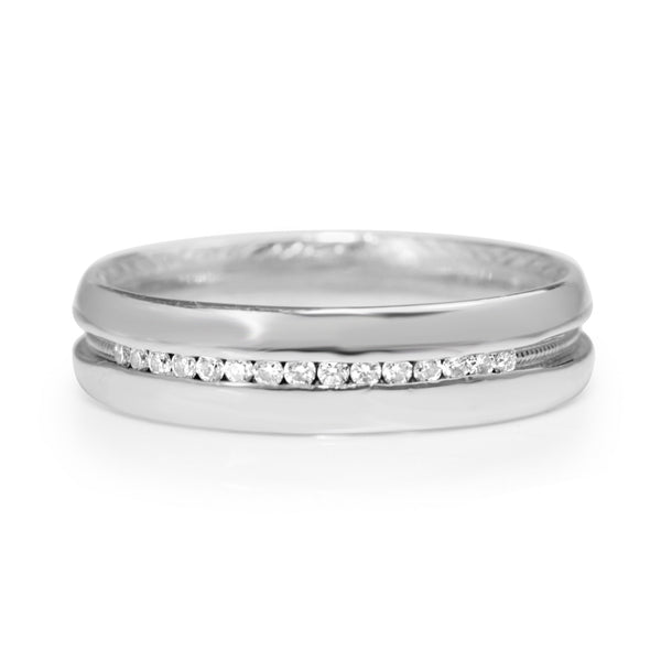 Platinum Vintage Diamond and Millgrain Band