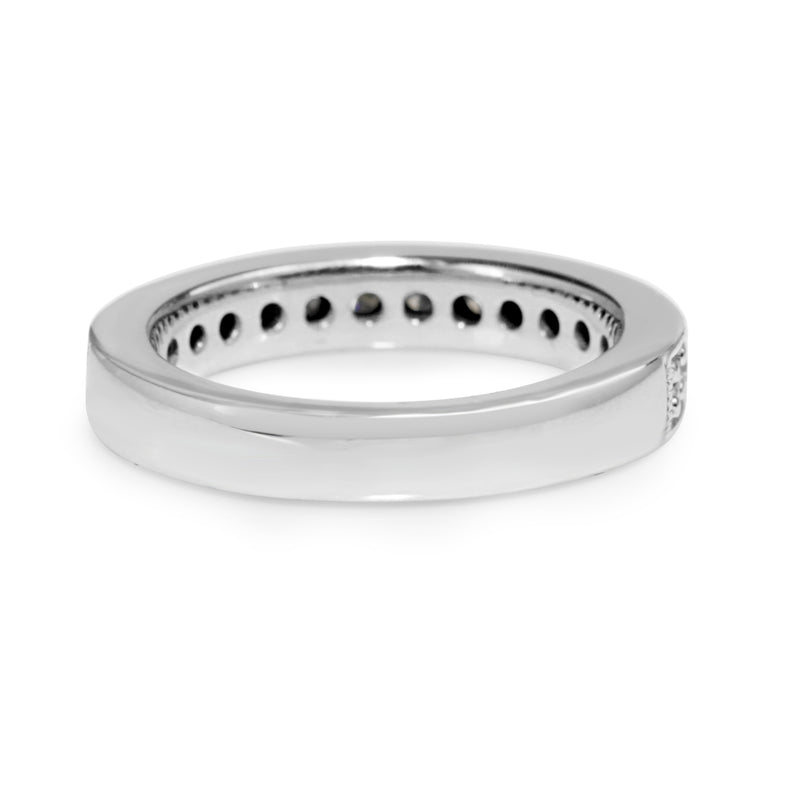 18ct White Gold Diamond and Millgrain Band