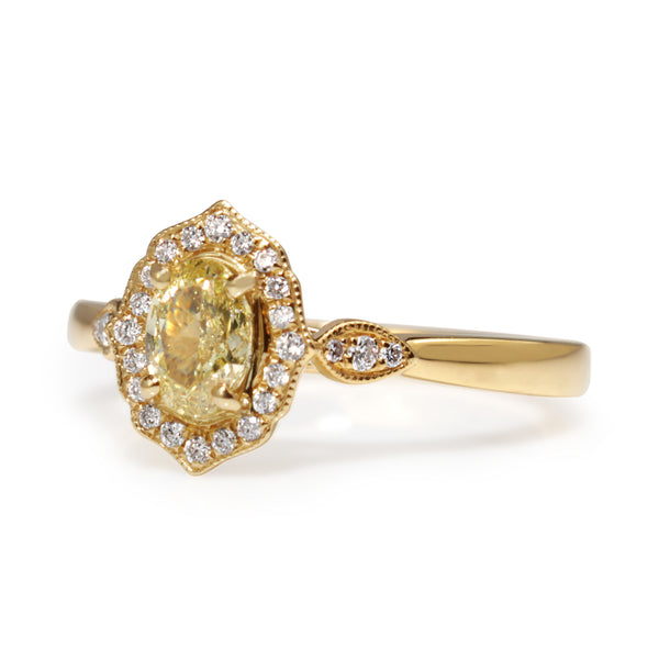 18ct Yellow Gold Vintage Style Yellow Diamond Halo Ring
