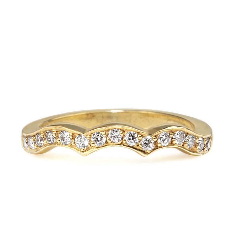 18ct Yellow Gold Shaped Diamond Band