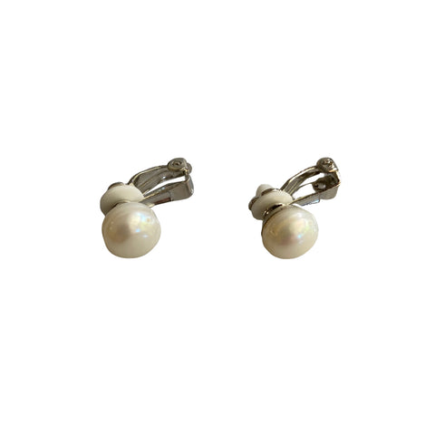 Freshwater pearl and stainless steel clip-on earrings