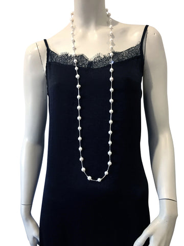 Long necklace with freshwater pearls and Swarovski crystal