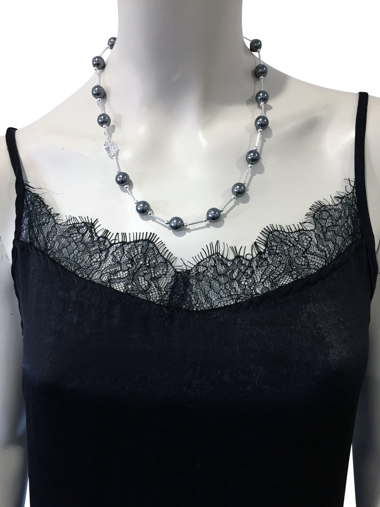 Short necklace with Swarovski Grey pearls and Swarovski crystal