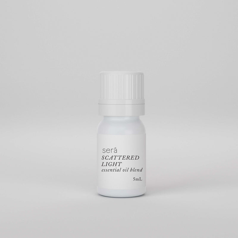 SCATTERED LIGHT ESSENTIAL OIL BLEND