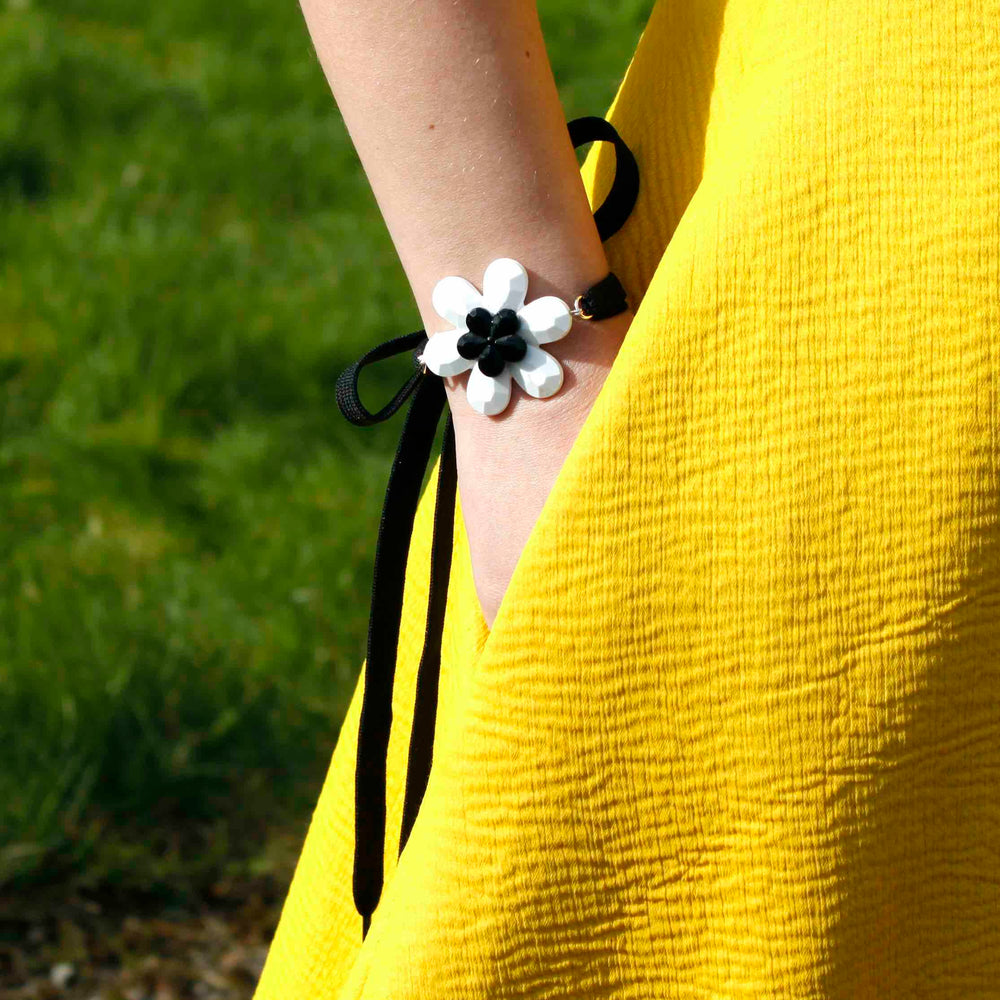Flower Wrist Wrap - melissacurry