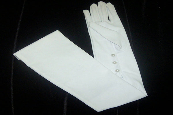 #9743 Mousquetaire Gloves w/ 3 Buttons at Inside Wrist