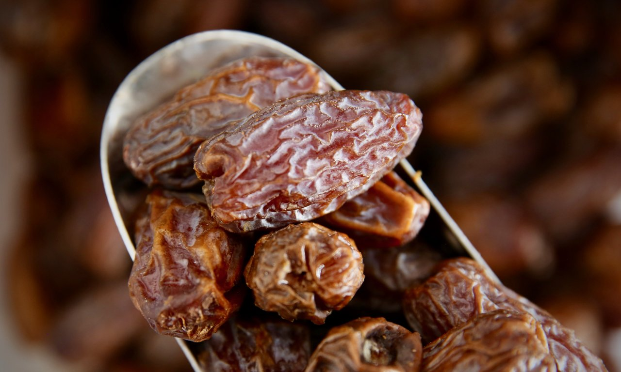 Medjool Dates (With Pits) - Refill Nation