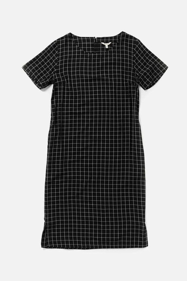 Women's Black Rayon Mid-Length Shift Dress