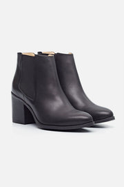 Nisolo Heeled Chelsea Boot Black