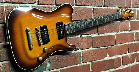 Valley Arts Custom Pro Larry Carlton - 1994 - Guitar Emporium