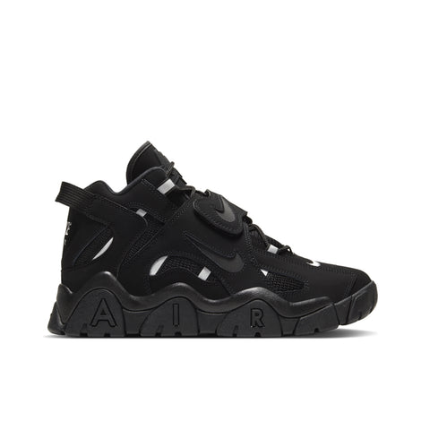 NIKE <BR> BARRAGE MID (BLACK)