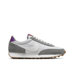 NIKE <BR> WOMEN'S DAYBREAK (PARTICLE GREY)