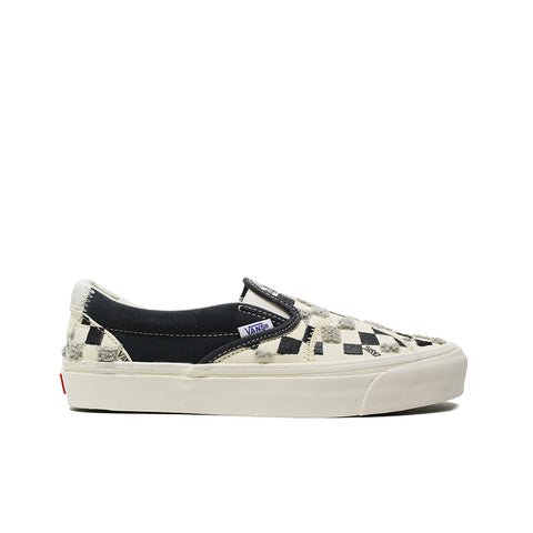 VANS VAULT <BR> CLASSIC SLIP-ON LX 'EMBROIDERED CHECKER' (WHITE / BLACK)
