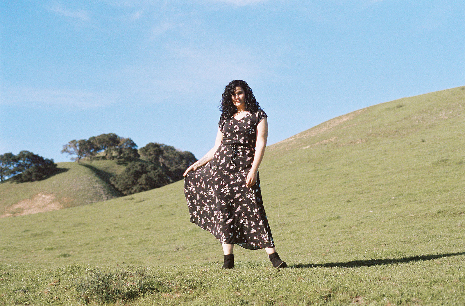 nature dress in the hills of Oakland plus size woman