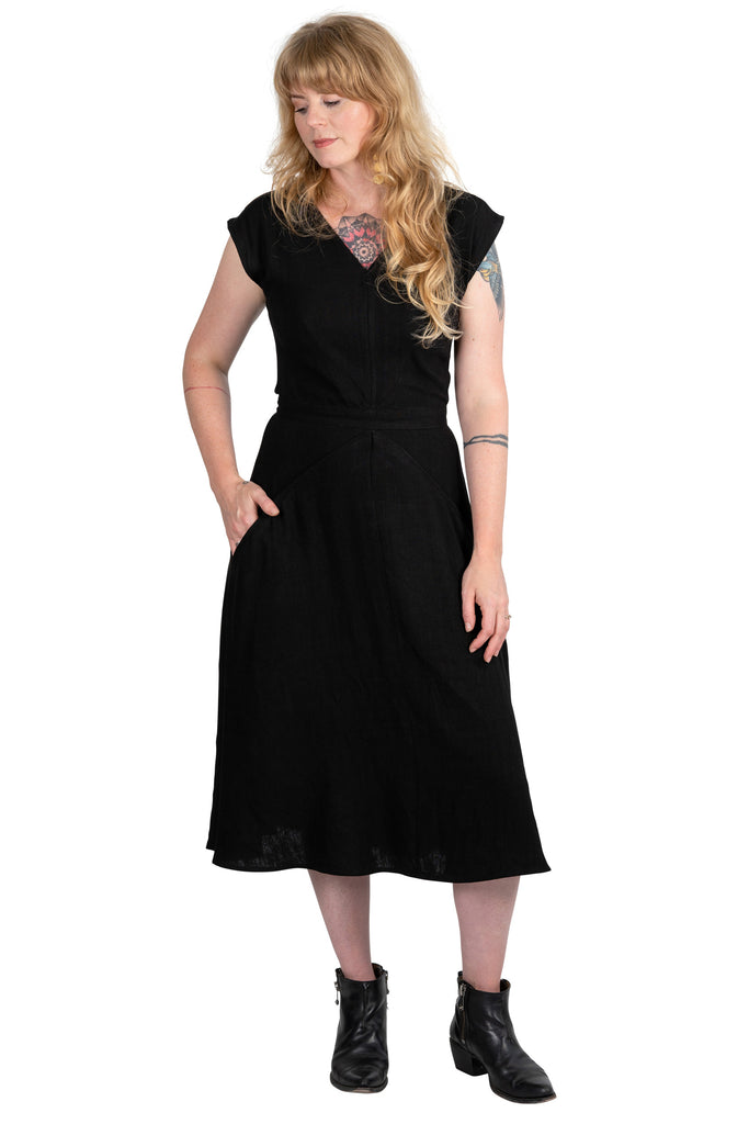 Xena Dress in Black Linen