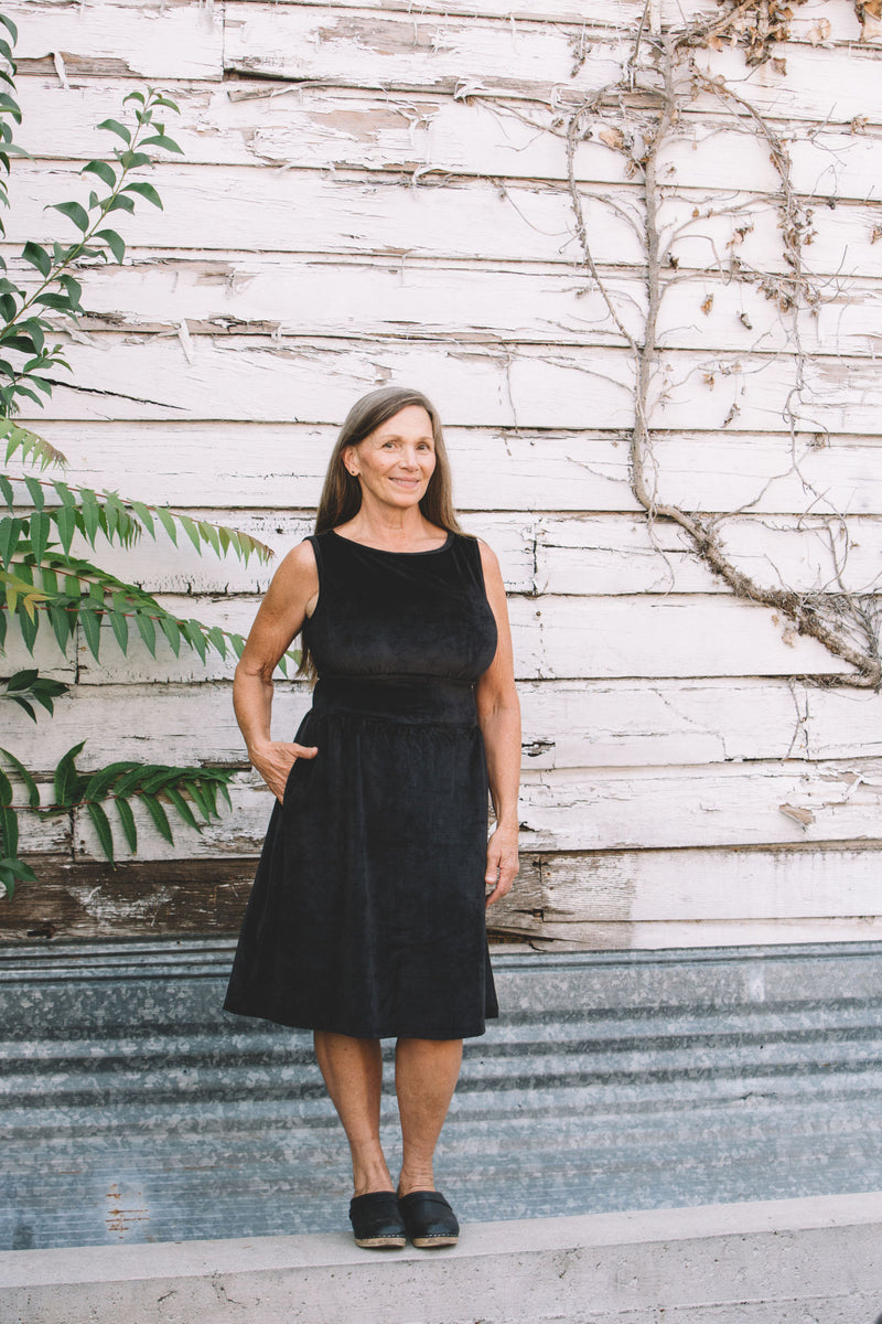 Mere Dress in Black Ribbed Velvet