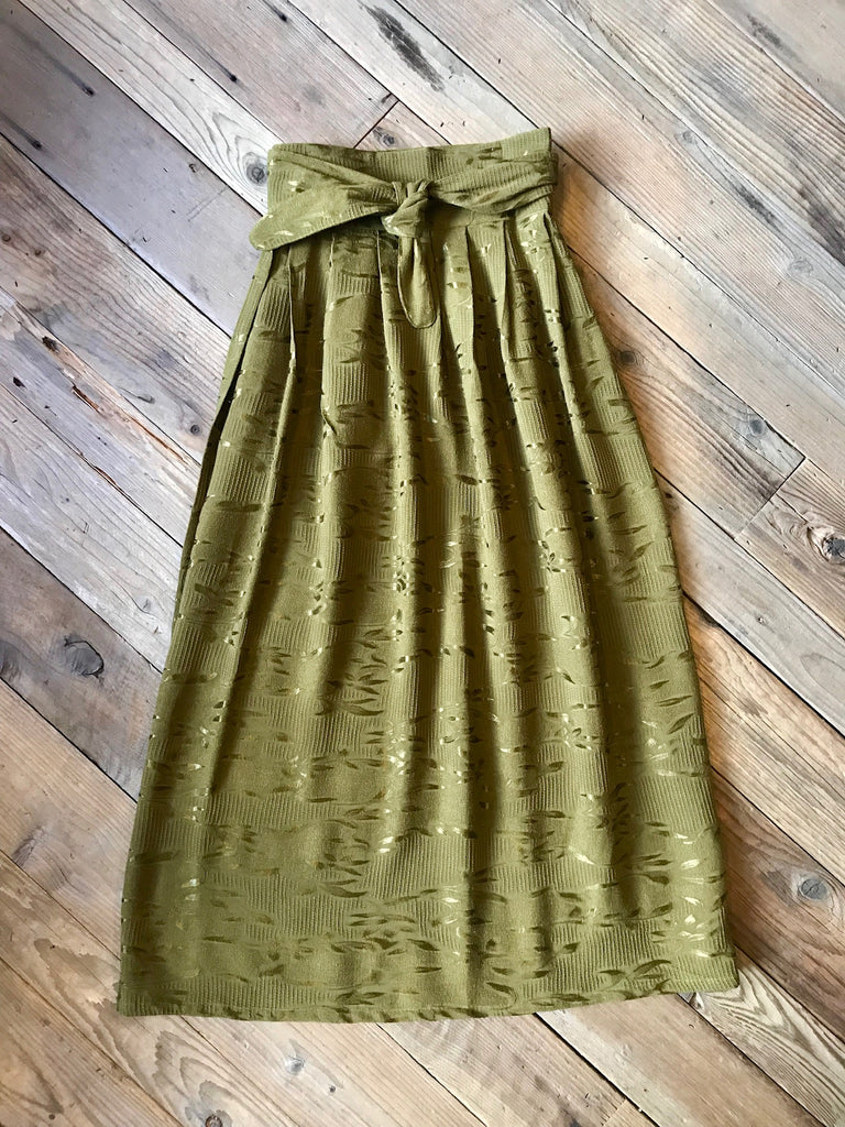 Maxi Wrap Skirt in Shiny Jacquard Leaf