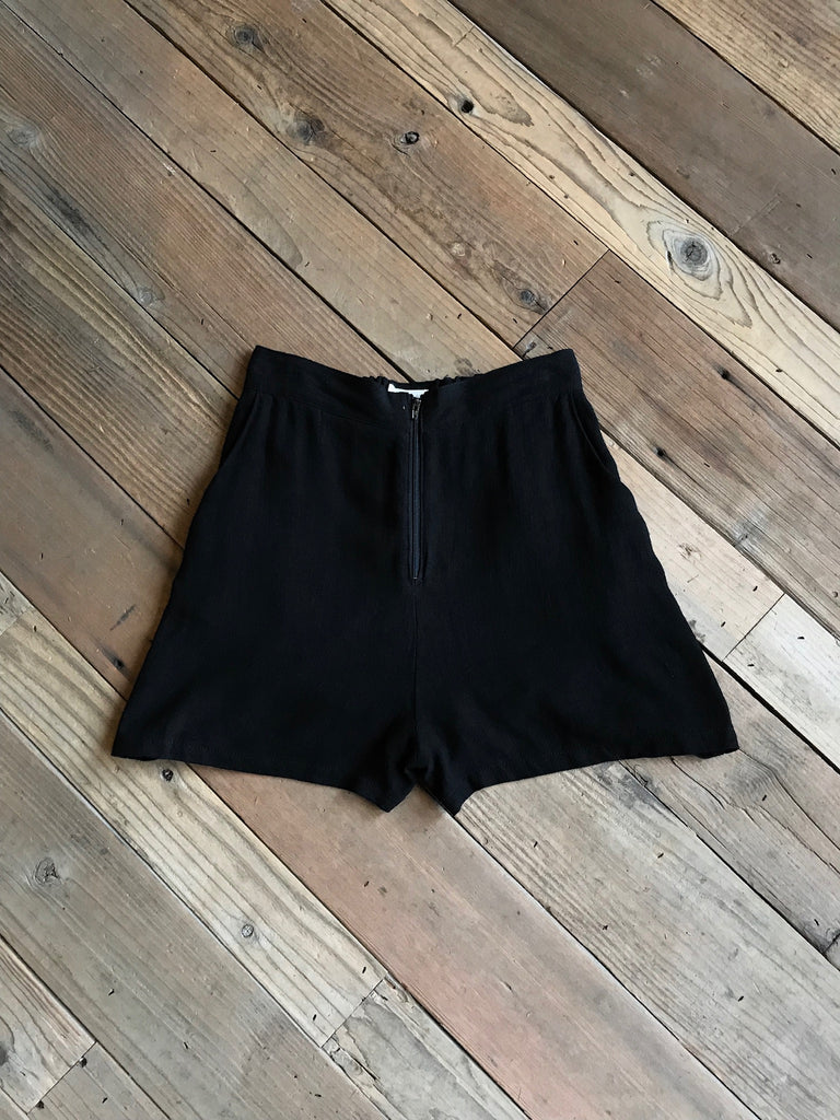 Breezy Shorts in Black Linen