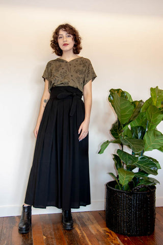 Fiona Dress in Olive Nervine