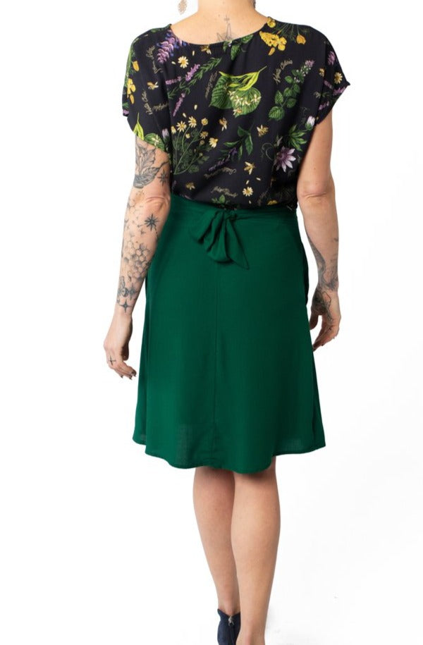 Tie Skirt in Emerald Challis
