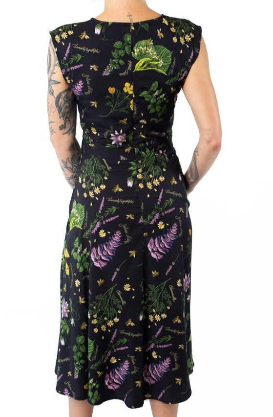 Xena Dress in Ecovero Nervine