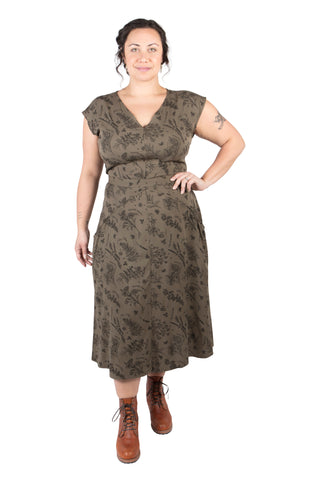Sleeveless Fiona in Dark Bloom