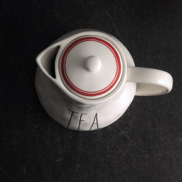 TEA Pot Boutique Red Line