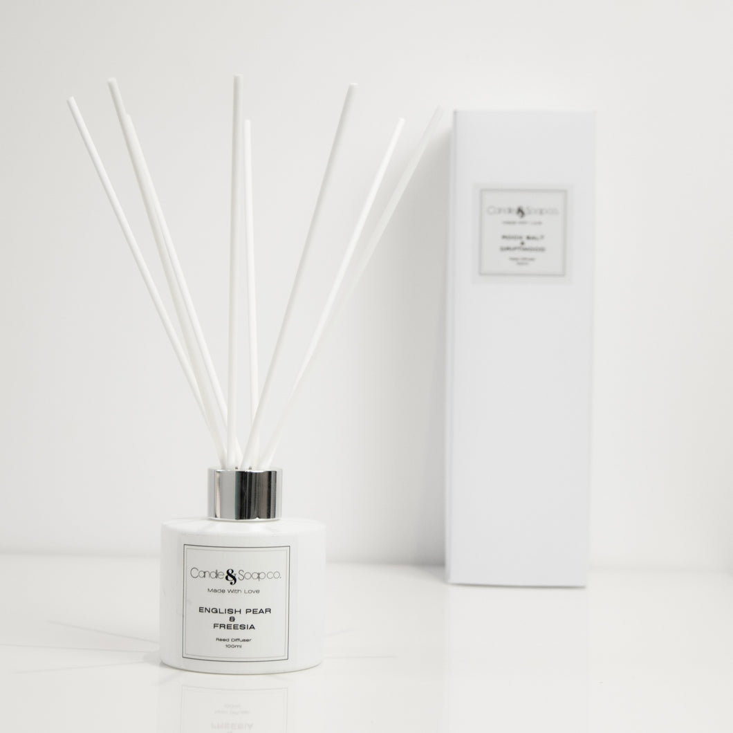 English Pear & Freesia White Diffuser