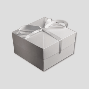White Gift Box (Silver Ribbon)