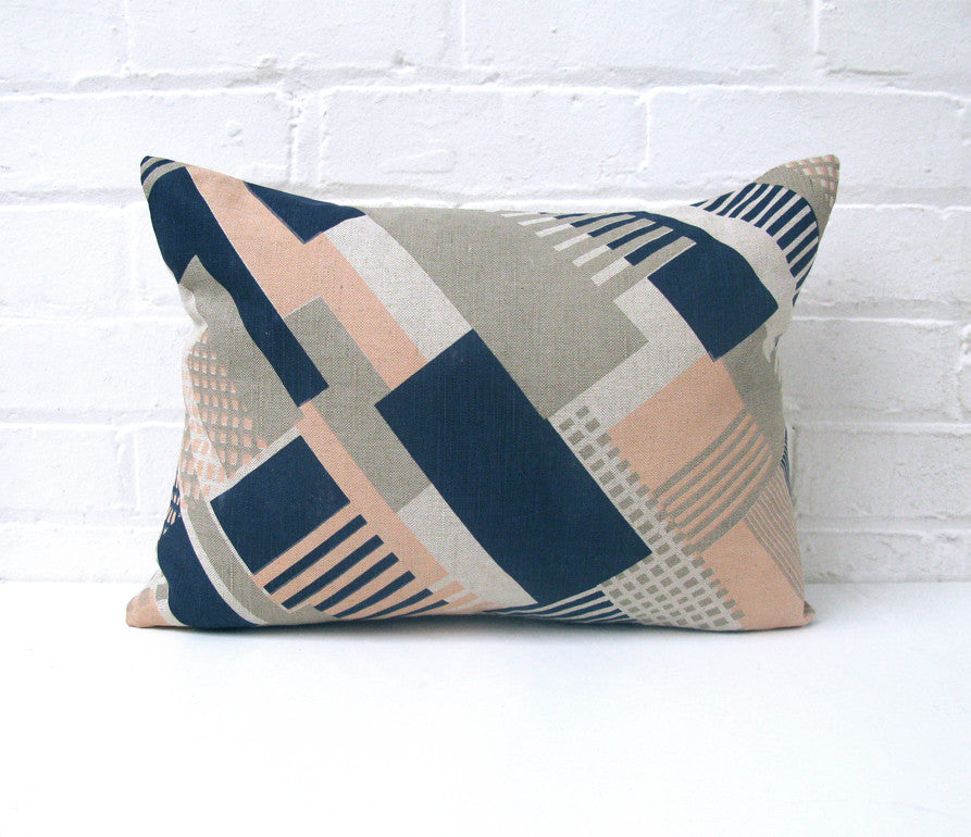Axis: Small Cushion