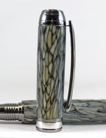 Queens Fountain pen in Conway Stewart White Tiffany Casein