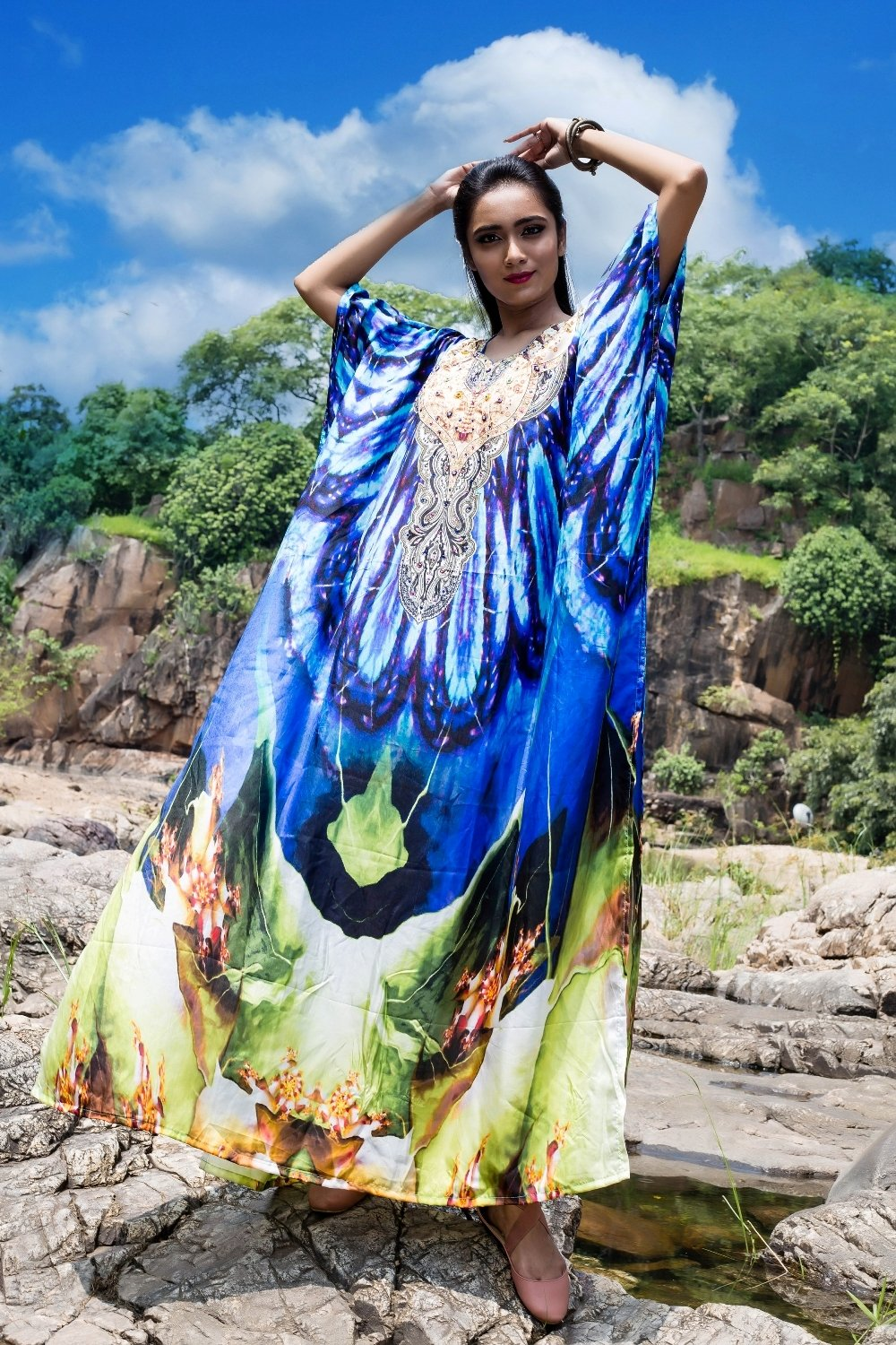 Designer wavy cut neck with shiny dots of bloomy lavender flower and chloroplast leafy printed silk kaftan - Silk kaftan