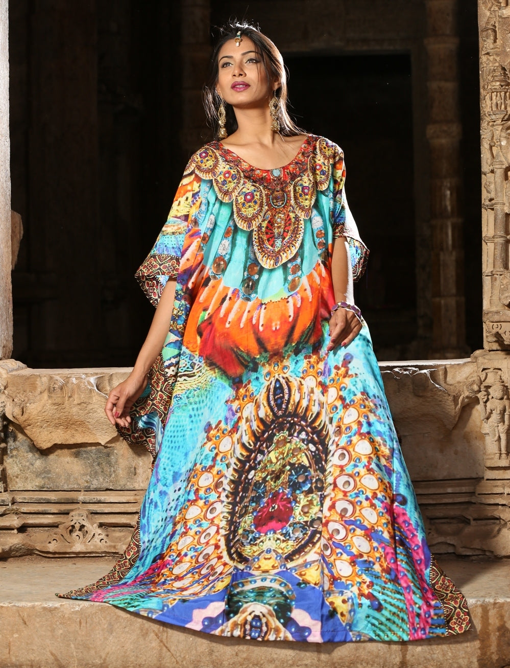 Glamorous bluey traditional Indonesians digitally printed clasp neck silk kaftan - Silk kaftan