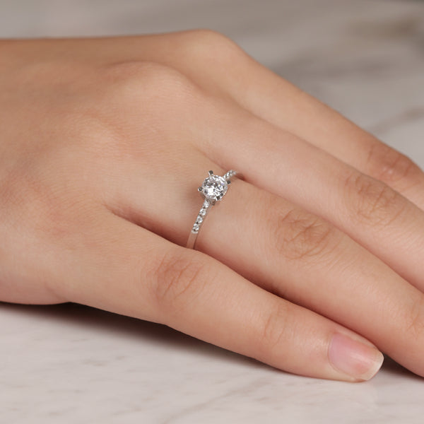 Solitaire Slim  Ring