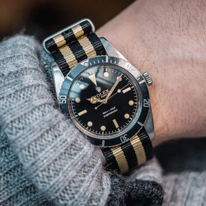 NATOBAND - VINTAGE WATCH COMPANY - BLACK / GOLD - ROYAL STRAPS