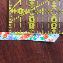 Load image into Gallery viewer, Floral Double Fold Bias Tape