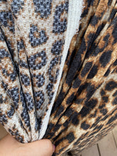 Load image into Gallery viewer, Leopard  Waffle
