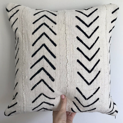 African Mudcloth Cushion | Black Arrows