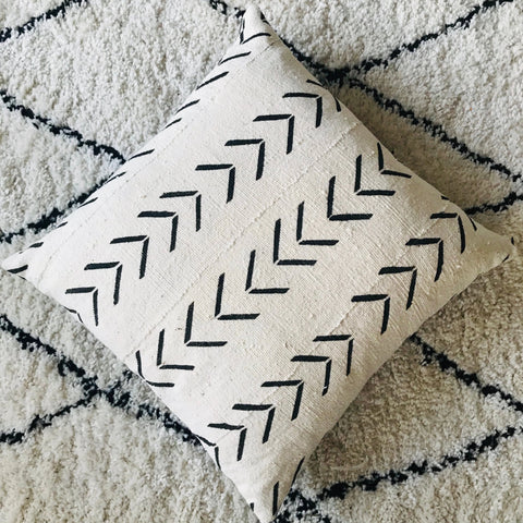 African Mudcloth Cushion | Cream with Black Arrow