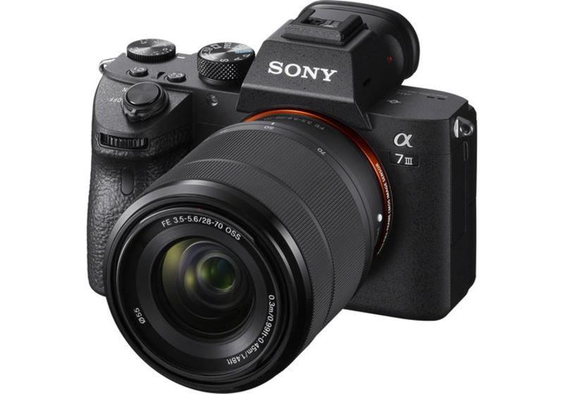 Sony Alpha A7 III Body with SEL2870 E-mount 28-70mm Kit