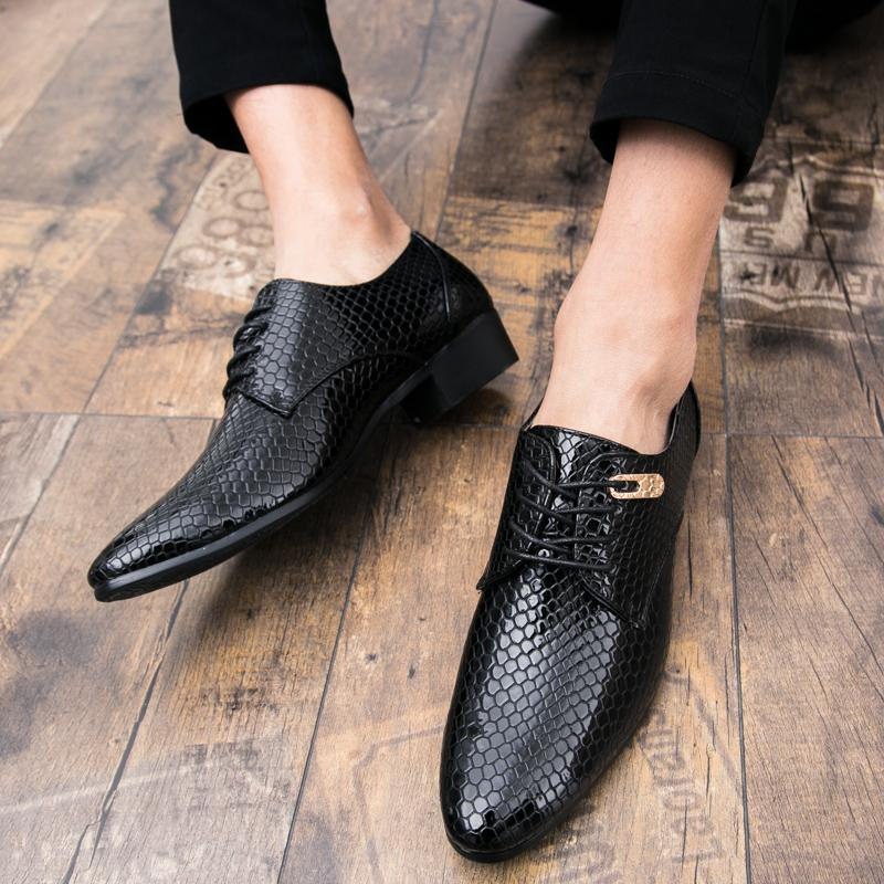 British Plus Size Embossed Leather Dress Shoes