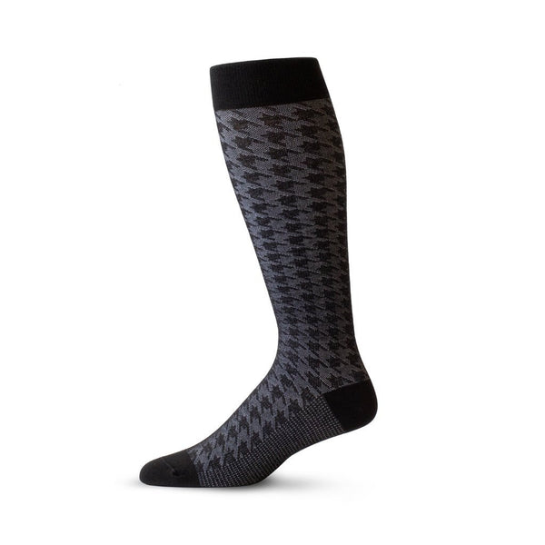 Houndstooth pattern travel compression socks in black and grey