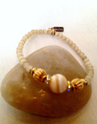 Cat's Eye Agate with Mother of Pearl